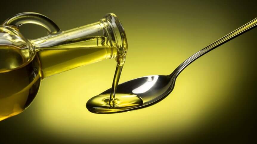 Olivenöl pflegt von innen und außen