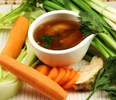 suppengruen mit suppe - basische rezepte